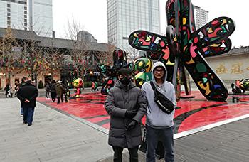 แน็ตและไมค์นักเรียน SISA ของเราตอนนี้กำลังเรียนการศึกษาระดับปริญญาโทที่ Chengdhu University เมือง Panda ของประเทศจีน จะส่งนักเรียน SISA เพิ่มเติมในปีหน้า